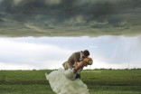 Texas couple amps up the drama in storm-fueled wedding photo