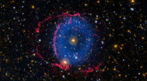 Mystery of the Blue Ring Nebula solved by a 'stellar missing link'