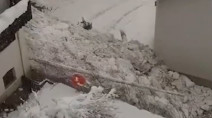 On Camera: Avalanche rolls through Italian village