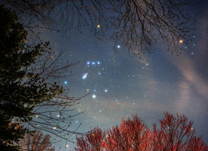 Betelgeuse Keeps Dimming : Reason