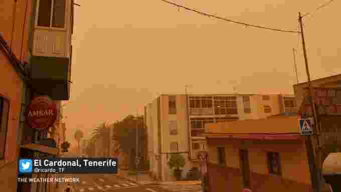 Canary island dust storm