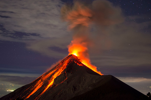 The Weather Network - Extinct volcano wakes up, could cause