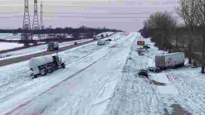 napanee-highway-401-crashes-winter-weather-closed-tractor-trailer-dec-11
