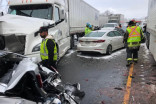 4 injured in massive Highway 401 pileup in Milton, Ont.