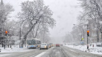 Widespread warnings as potent snowstorm closes in on Quebec