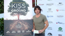 Ian Somerhalder talks dirt, bourbon, and 'Kiss the Ground' documentary with TWN