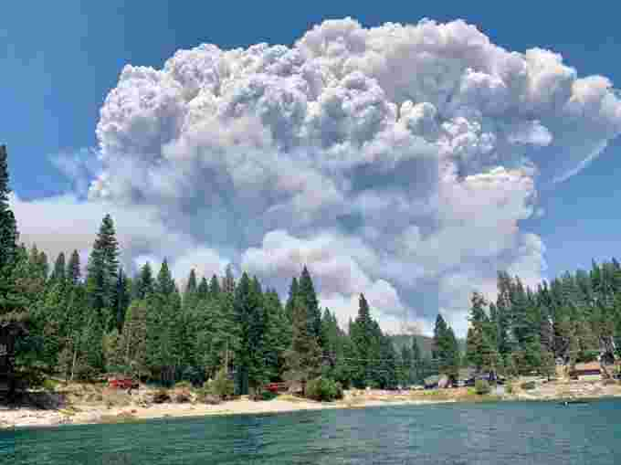 creek wildfire sierra national forest by Ryan Waugh