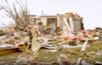 The terrifying 1996 Ontario tornadoes that made it rain sheet metal and wood