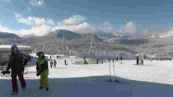 Mount Washington Alpine Resort, located about 30 kilometres west of the Comox Valley, is scheduled to open on Dec. 4. Under current public health protocols, no one outside of the Island Health region should be heading up the hill. (CBC)