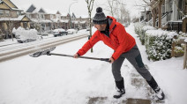 How shovelling snow can lead to a heart attack