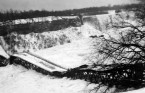 The Honeymoon Bridge in Niagara Falls lasted 40 years before it collapsed