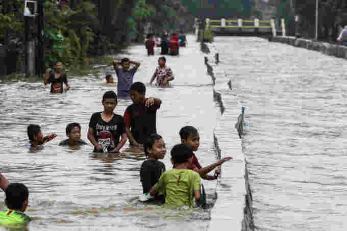 Reuters INDONESIA-FLOODS