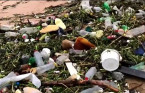 MUST SEE: Flooding sends 'tons' of plastic litter into the Indian Ocean