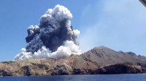 Two dozen people feared missing after New Zealand volcanic eruption kills 5