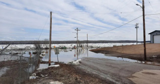 'It is far worse than I thought': NWT communities down river brace for flooding