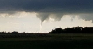 Tornado warning in southern Manitoba, seek shelter immediately