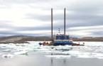 Sea ice blocking shipment of materials into Iqaluit