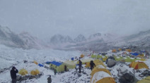 Weeks after re-opening, COVID-19 confirmed in visitors to Everest Base Camp