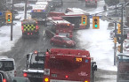 PHOTOS: Nightmare on southern Ontario roads as snow creates whiteouts