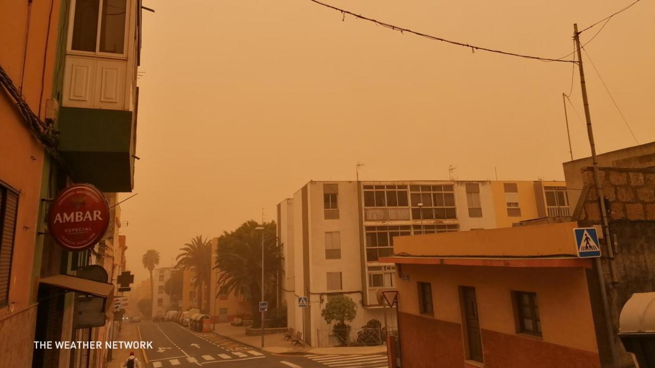 Dust from Africa turns this tropical island chain into Mars