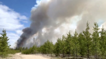 'Out of control' blaze in Manitoba could signal busy wildfire season
