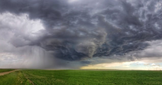 Prairies: Severe weather tracks east, slight tornado risk persists