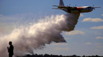Canadian waterbomber plane crashes amid Australia bushfires, three dead