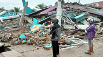 Powerful earthquake kills dozens, injures hundreds in Indonesia