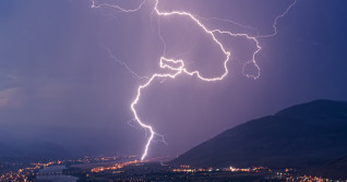 B.C.: Widespread thunderstorm risk spurs wildfire concerns