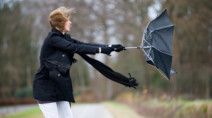 Ontario: Powerful northwest winds send temps falling to November-like values