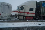 50 vehicle pile up on Quebec highway, trucks lose control