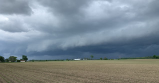 IN PHOTOS: Scary skies over southern Ontario as storms roll through