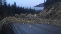 Rock slide disrupts highway travel in southeastern B.C.