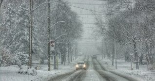 Complete 'mess of a storm' threatens days of snow over Ontario