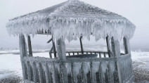 'Iceageddon': Epic freezing rain encases eastern Canadian town in ice