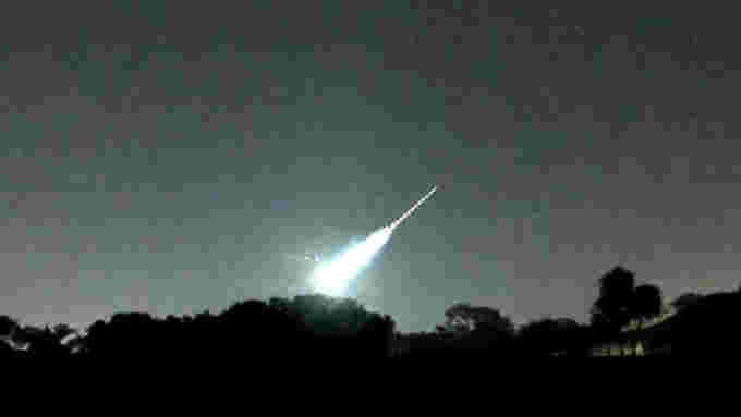 Florida-Fireball-stack-Apr12-2021-Joseph-Gresham-AMS