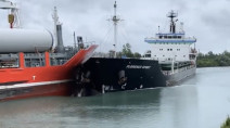 WATCH: Two ships collide in Ontario's Welland Canal