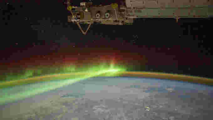 AuroraCrater AirGlow ISS 4256 NASA