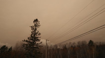 Spooky skies over Ontario, the culprit is thousands of kilometres away