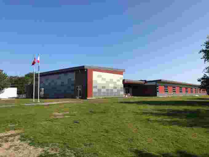 Gudangaay Tlaats'gaa Naay Secondary School, British Columbia